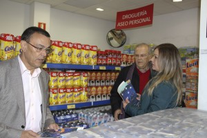 Diputación aportará este año 350.000 euros a Resurgir para que familias puedan comprar en su Economato Social
