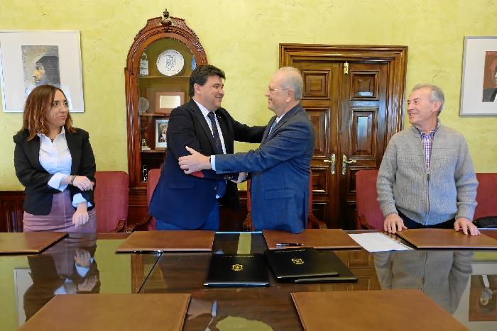 El Ayuntamiento renueva el compromiso con Resurgir, garantizando la alimentación de las familias más empobrecidas