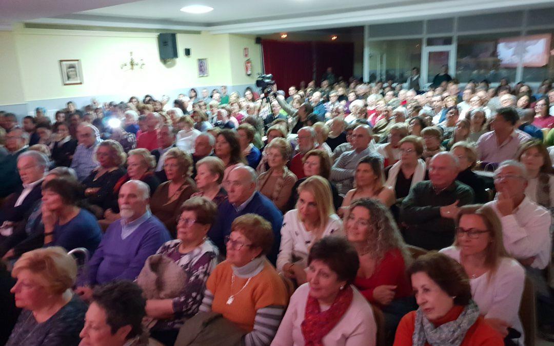 Resurgir consigue llenar de solidaridad el concierto de Brotes de Olivo