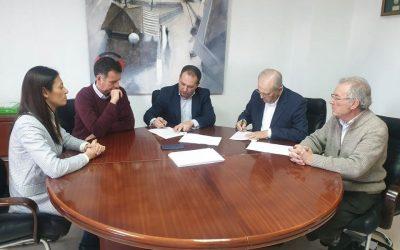 Aljaraque renueva el Convenio con el Economato Solidario Resurgir ;)