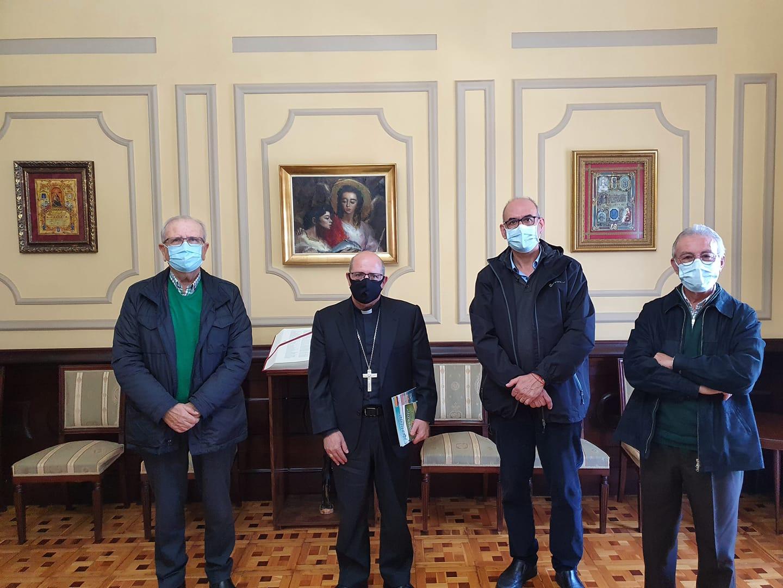 El Obispo de Huelva con el Economato Solidario Resurgir