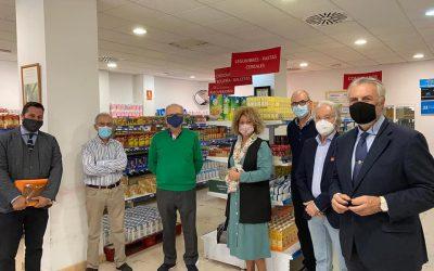 Representantes del PP en el Ayuntamiento de Huelva visitan nuestro Economato Solidario