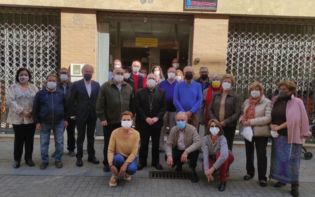 El obispo de Huelva visita por primera vez las instalaciones de nuestro Economato solidario
