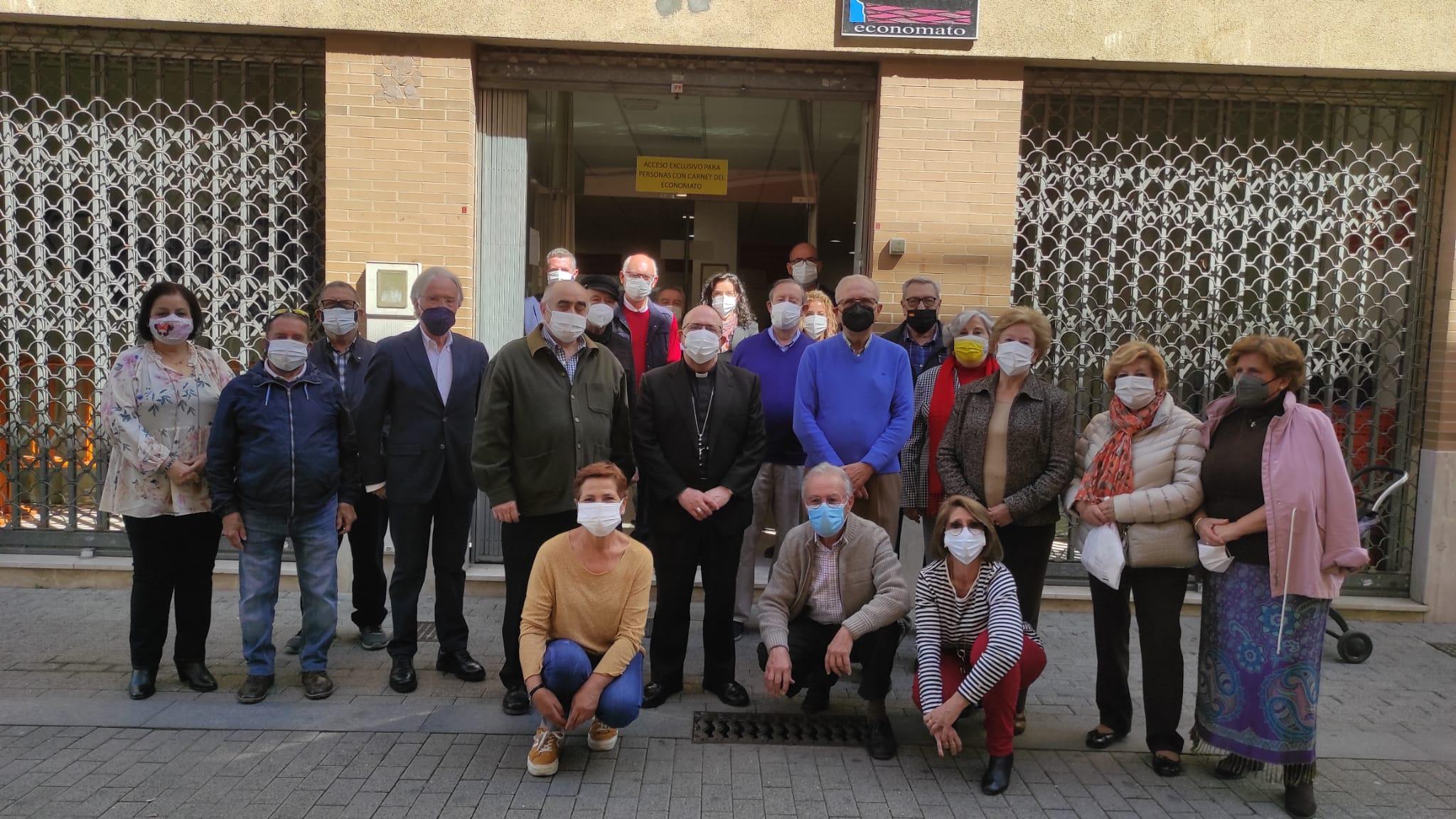 El Obispo de Huelva visita nuestro Economato Solidario Resurgir (2)